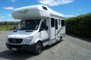 4+2 Berth  Auto campervan hire - new zealand