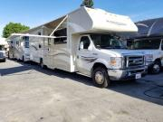 33ft Winnebago Minnie Winnie w/2 slide outs motorhome rentalcalifornia