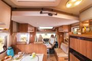 Autocaravan Express, S.A Hymer Carado T-338 motorhome hire italy