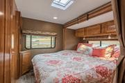 25-27 ft Class C Motorhome with slide out rv rental - usa