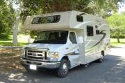 25-27 ft Class C Motorhome with slide out camper rental denver
