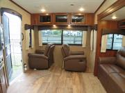 Traveland RV Rentals Ltd Truck & 30' 5th Wheel rv rental vancouver