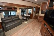 Truck & 30' 5th Wheel rv rental - canada
